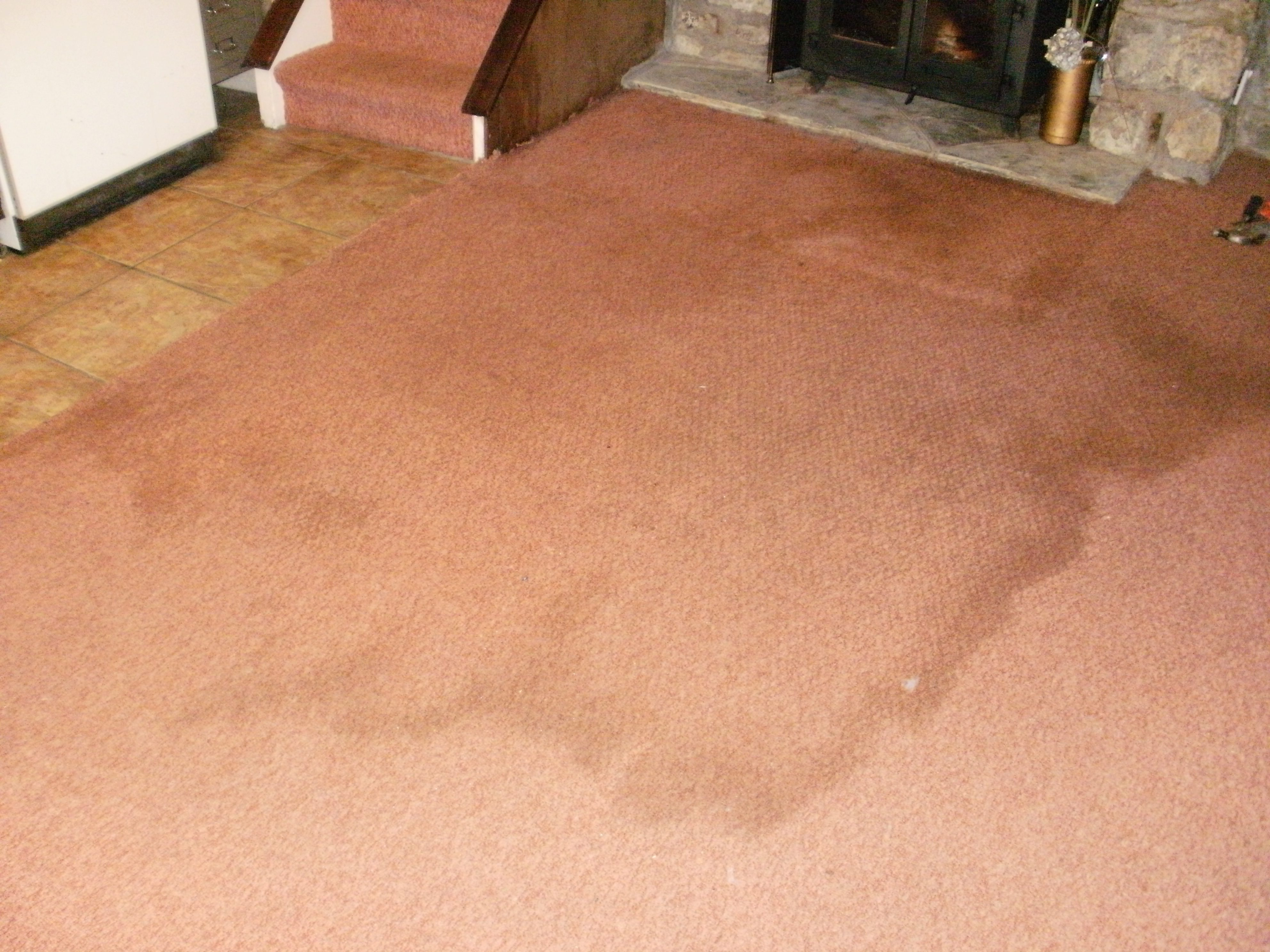 Cleaning a stained carpet