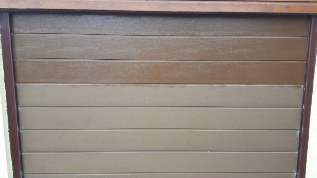 Cleaned Garage Door in Devon